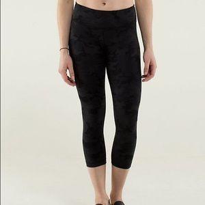 Lululemon black camo leggings 4